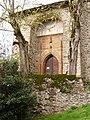Porche de la chapelle des Infournats.jpg
