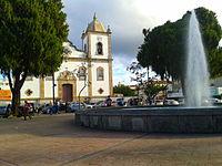Praça dos Andradas com igreja.jpg