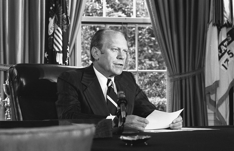 President Ford announces his decision to pardon former President Richard Nixon - NARA - 7140608.jpg