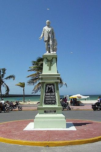Progreso, Yucatán - Image: Progreso Founder Statue