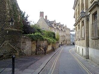 Queen's Lane - Image: Queens Lane just short of High Street