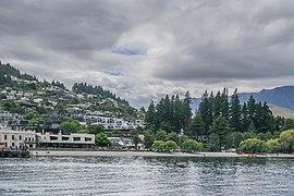 Queenstown Bay Lake Wakatipu 01.jpg