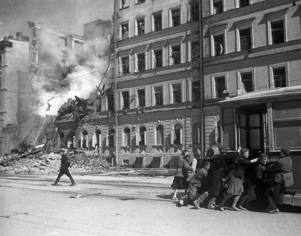 RIAN archive 601181 In a street of Leningrad after German air raid