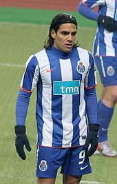 Il colombiano Radamel Falcao detiene il primato di reti (17) in una singola edizione del torneo, stabilito nel 2010-2011.