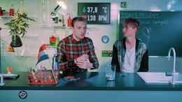 Bestand:Rens & Bastiaan fly high on nitrous oxide (N20) - Drugslab.webm