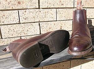 R. M. Williams - R.M.Williams elastic side riding boots