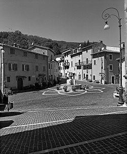 Roccagiovine piazza.jpg