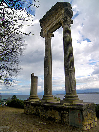 Canton of Vaud - Roman column in Nyon