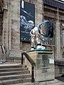 Rosetta-landesmuseum-darmstadt-loewe-im-raumanzug-1.jpg