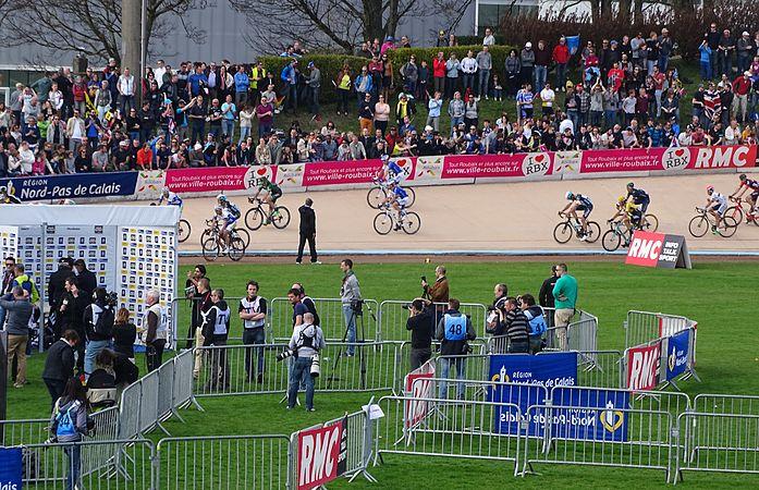 Roubaix - Paris-Roubaix, 12 avril 2015, arrivée (A33).JPG