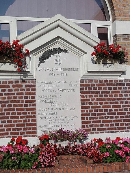 Rouvroy (Aisne) monument aux morts