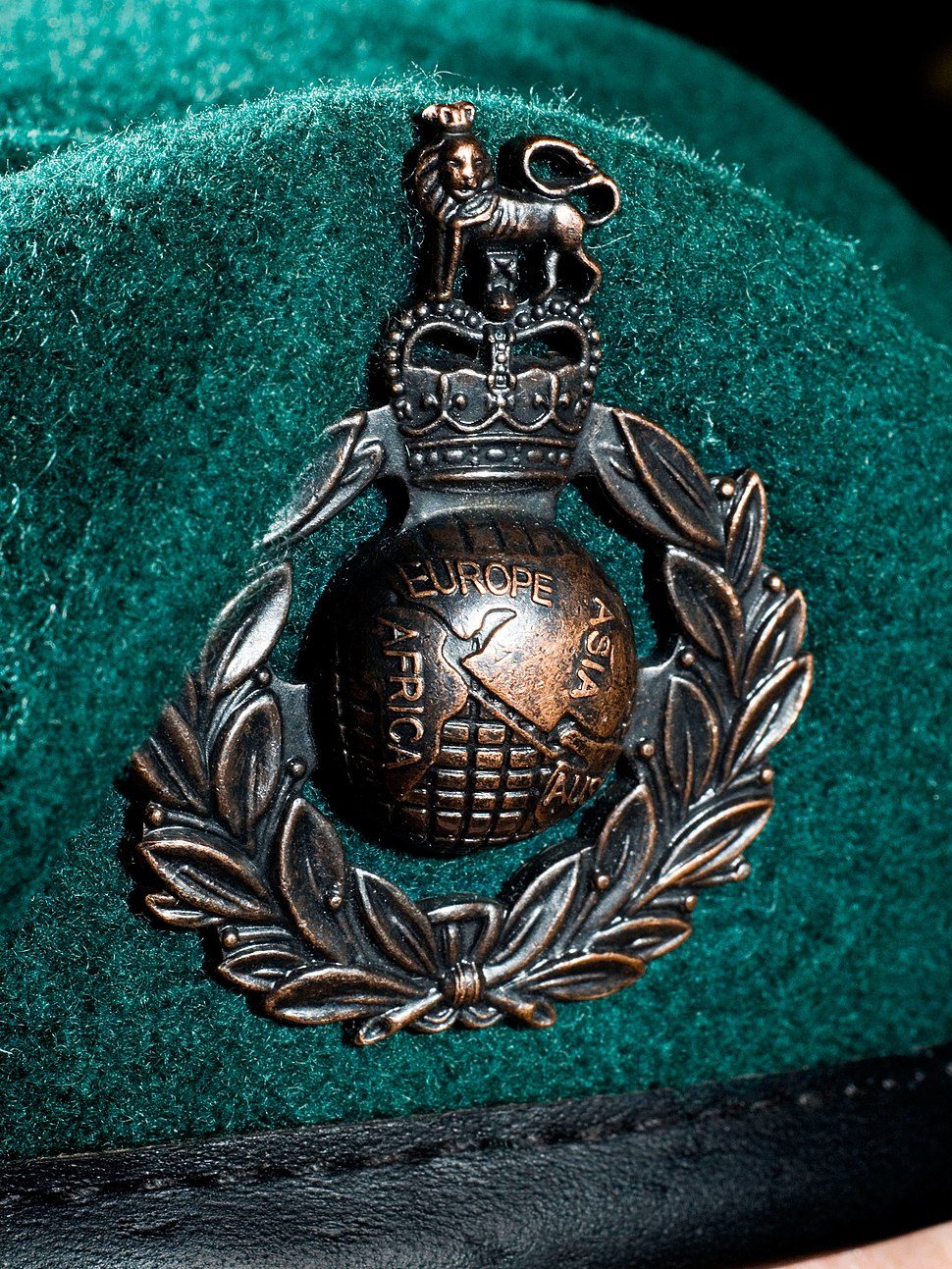 Royal Marine Beret Badge MOD 45151656