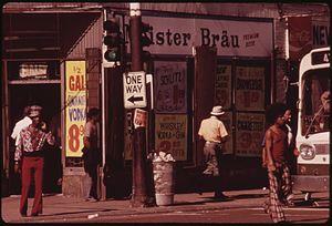John H. White (photojournalist) - Street scene on 47th Street
