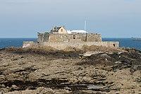 Saint-Malo - le Fort National à marée basse.JPG