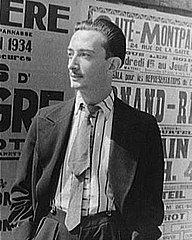 Salvador Dalí, 1934 (photo by Carl Van Vechten).jpeg