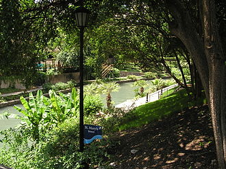 San Antonio River - Image: San Antonio Texas River Walk St Marys Street