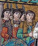San vitale, ravenna, int., presbiterio, mosaici di giustiniano e la sua corte 08.jpg