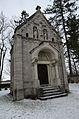 Schillingsfürst, Neuer Friedhof, Mausoleum-002.jpg