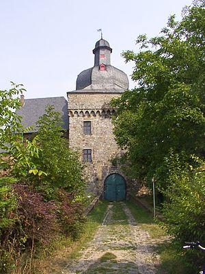 Deutsch: Schloss Liedberg, Eingang, Rhein-Krei...