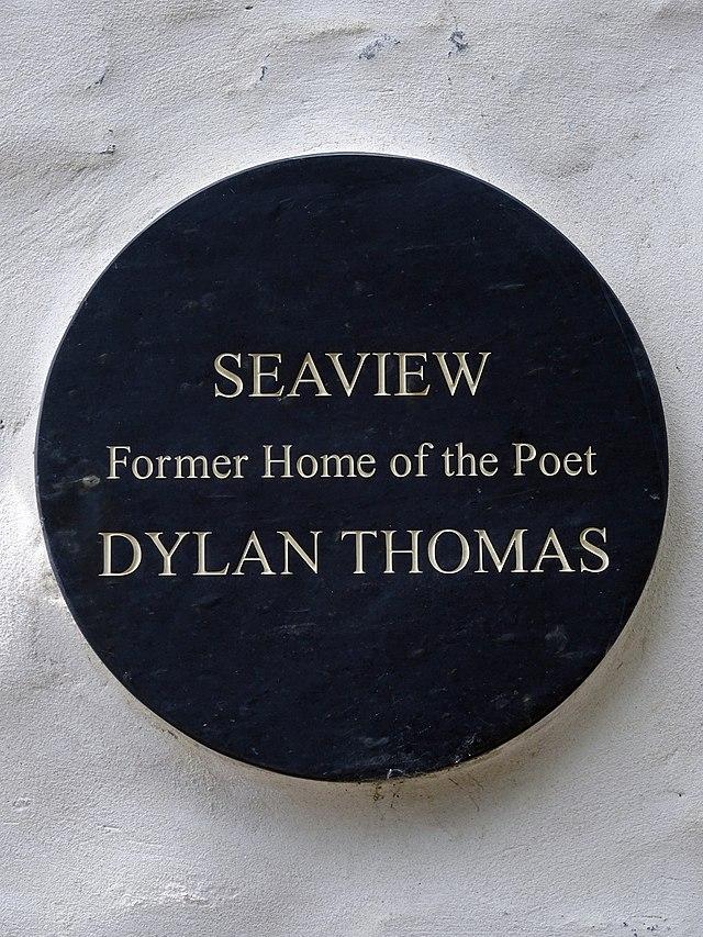 Photo of Dylan Thomas black plaque