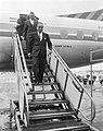 Secretaris Generaal der VN Oe Tant op doorreis Moskou op Schiphol tijdens de per, Bestanddeelnr 915-3994.jpg