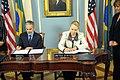 Secretary Clinton and Brazilian Foreign Minister Patriota Sign the U.S.-Brazil Aviation Partnership Memorandum (7065346261).jpg