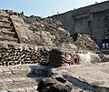 Serpiente en el Templo Mayor - panoramio.jpg