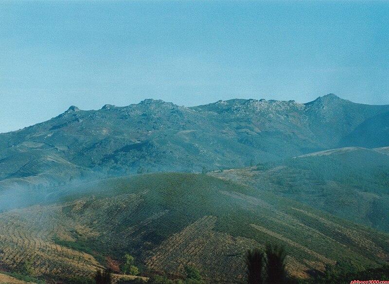 Ficheiro:Serra de San Mamede.jpg