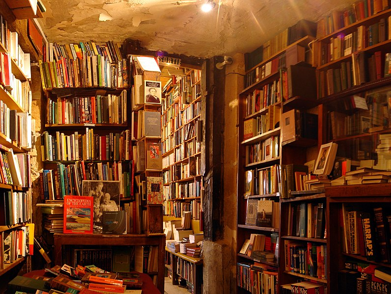 File:Shakespeare and Company bookshop.jpg