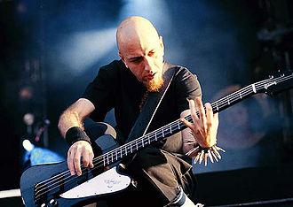 Shavo Odadjian - Image: Shavo Bass