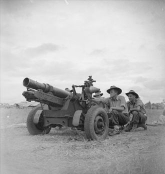Landing at Nadzab - Crew of a short 25-pounder in the Markham Valley.