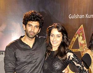 Aditya Roy Kapur -  Kapur with Shraddha Kapoor at a Live concert for promotion of Aashiqui 2 in 2013.