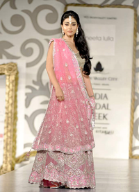Shriya Saran bridal week 2010.png