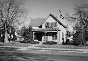 English: Boyhood home of American author, Sinc...
