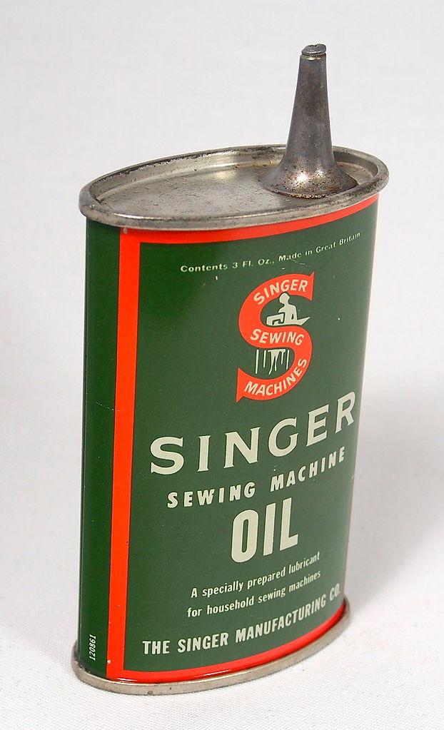 FileSinger Sewing Machine Oil Tin 40 Fl Oz Pic 40JPG Wikimedia Cool Singer Sewing Machine Oil Tin