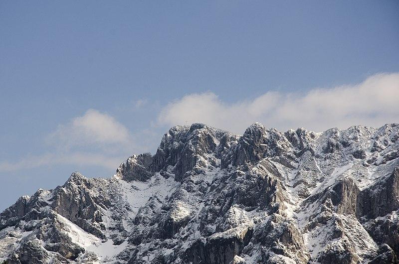 File:Snow topped mountains in Gmunden (Unsplash v5W7hBmKusc).jpg