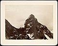 St. Skagastølstind sét fra Toppen af Mellemste Skagastølstind (12808937785).jpg
