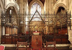 St Andrew, Stoke Newington - Screen