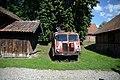 Stary wóz strażacki obok Remizy.jpg