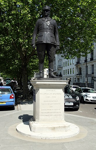 Władysław Sikorski - The statue of Sikorski on Portland Place, London, erected in 2000
