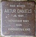 Stolpersteine Krefeld, Artur Daniels (Issumer Straße 7).jpg
