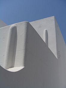 La bianca architettura di Stromboli