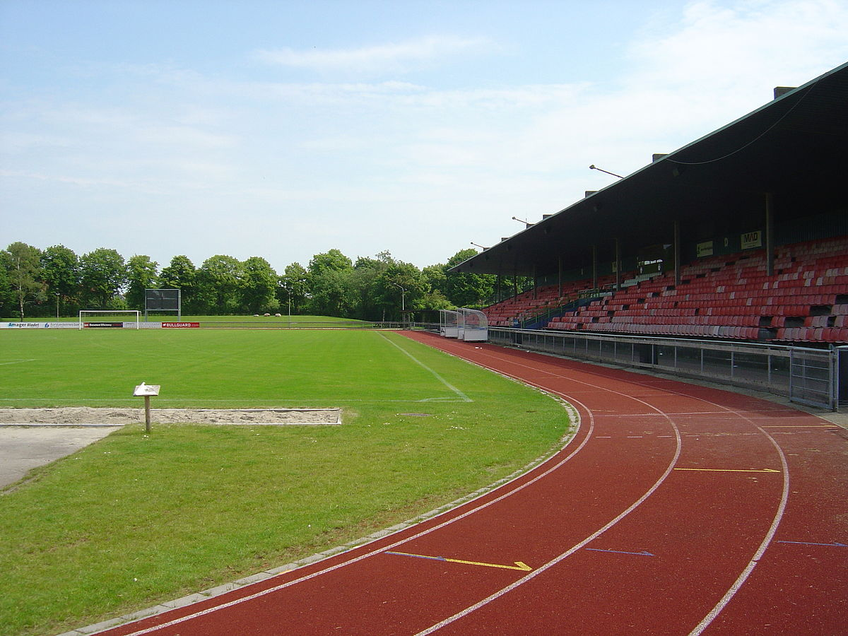 File Sundby Idraetspark Opvisningsbanen Jpg Wikimedia Commons