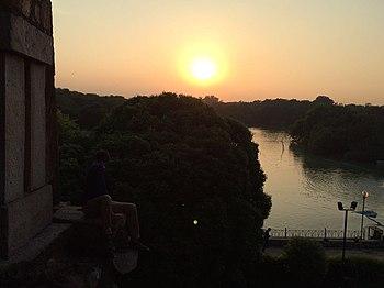 Sunset at Hauz Khas Lake.jpg