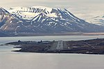 Svalbard Airport, Longyear overview.jpg