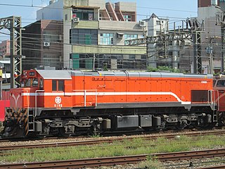 https://upload.wikimedia.org/wikipedia/commons/thumb/3/34/TRA_R192_at_Hsinchu_Station_20180731.jpg/320px-TRA_R192_at_Hsinchu_Station_20180731.jpg