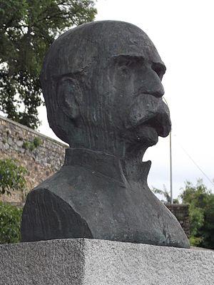 Raimundo Teixeira Mendes - Bust of T. Mendes in Rio de Janeiro city