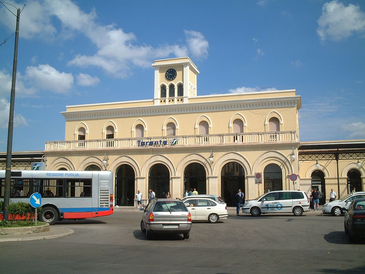 Taranto railway station