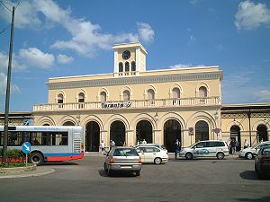 Taranto railway station - The passenger building.