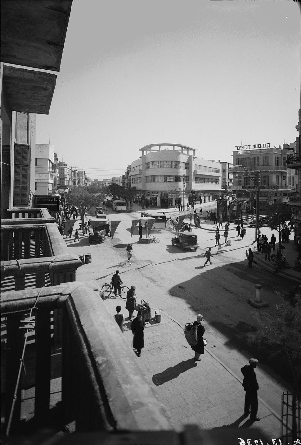Tel Aviv - Magen David Square - 1936